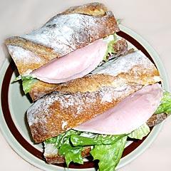 スイスエッテでサンドイッチ