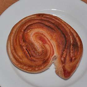 いちごヨーグルトシートを使ったパン