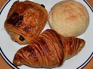 レ・アントルメ国立のパン