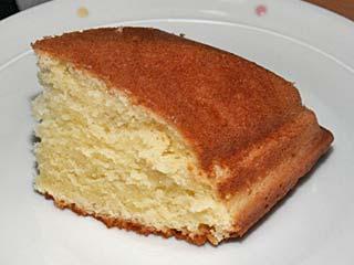 クロテッドクリームとマスカルポーネでシンプルなケーキ