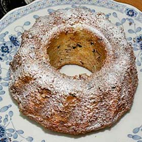 クグロフ型でパウンドケーキ