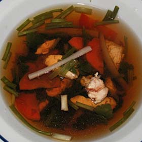 鶏肉とゴボウのスープ