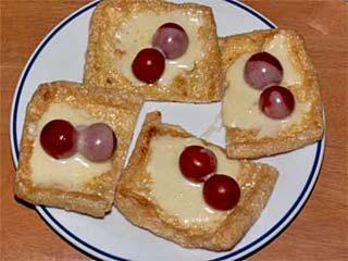 油揚げチーズトースト