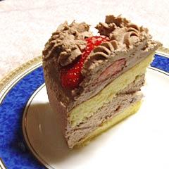 チョコレートクリームのイチゴケーキ