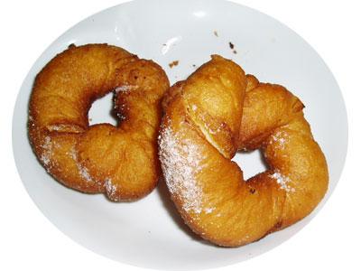 黄身餡入り、ねじりドーナツ